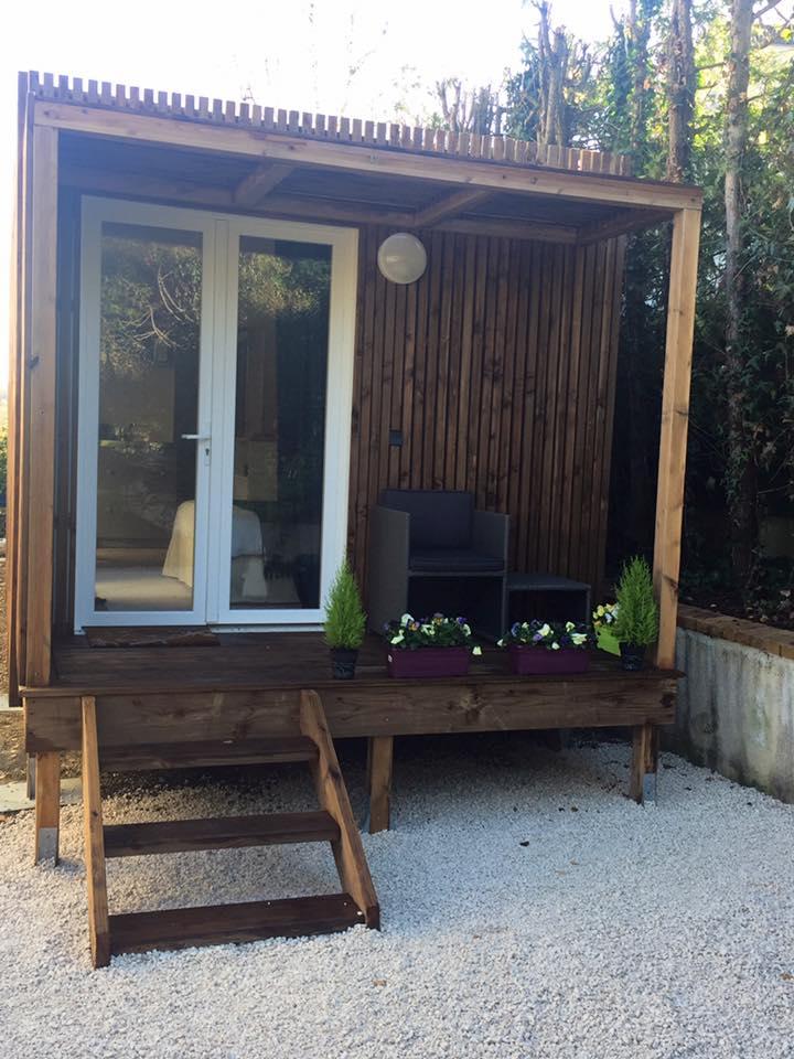 Studio jardin porte blanc
