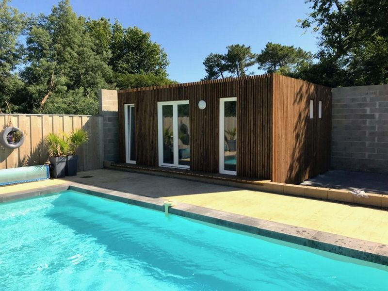 poolhouse piscine studio jardin 40m²