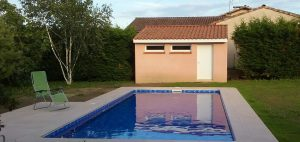 Pool house en construction traditionnelle