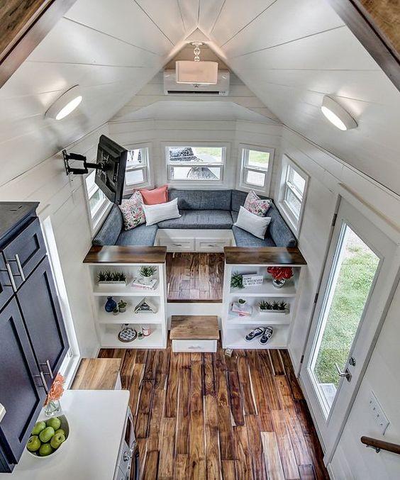 salon modern dans une tiny house