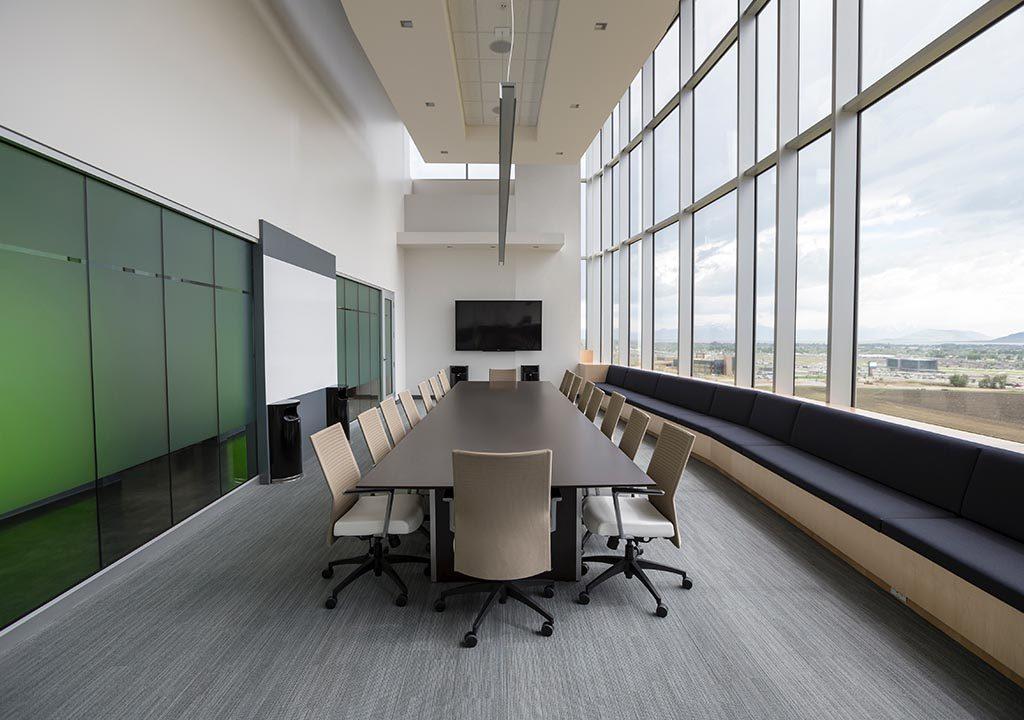 bureau professionnel table de réunion